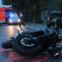 Bei einem Verkehrsunfall behindern Schaulustige die Arbeit von Einsatzkräften und Polizei. | Foto: Martin Vogler | CC BY 2.0