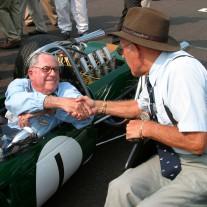 Ältere Menschen finden es in Deutschland oft selbstverständlich, noch Auto fahren zu dürfen. Das ist nicht überall so. | Foto: Rich007 / Richard | wikipedia.org | CC BY-SA 2.0
