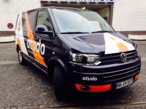 So sieht das frisch folierte Vermessungsfahrzeug von atudo aus. Foto: L. Mehlhorn