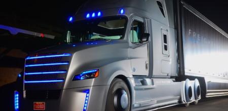 """Der neue """"Freightliner Inspiration Truck"""" von Daimler ist da. Foto: Evan Ackerman, flickr.com"""